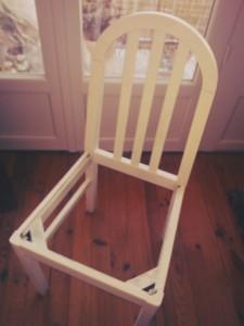 Chaise peinte