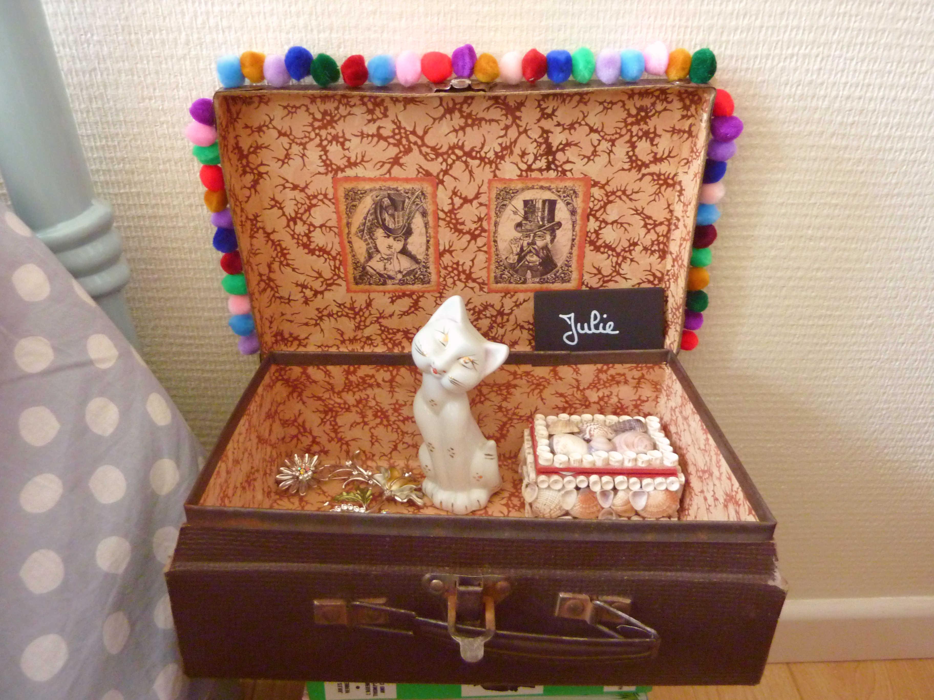 empile emile wool ma poule. Black Bedroom Furniture Sets. Home Design Ideas